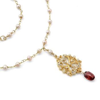 235-455-Garnet & Pearl Necklace