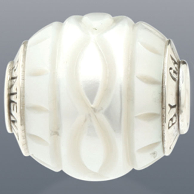 339099-Galatea White Levitation Pearl