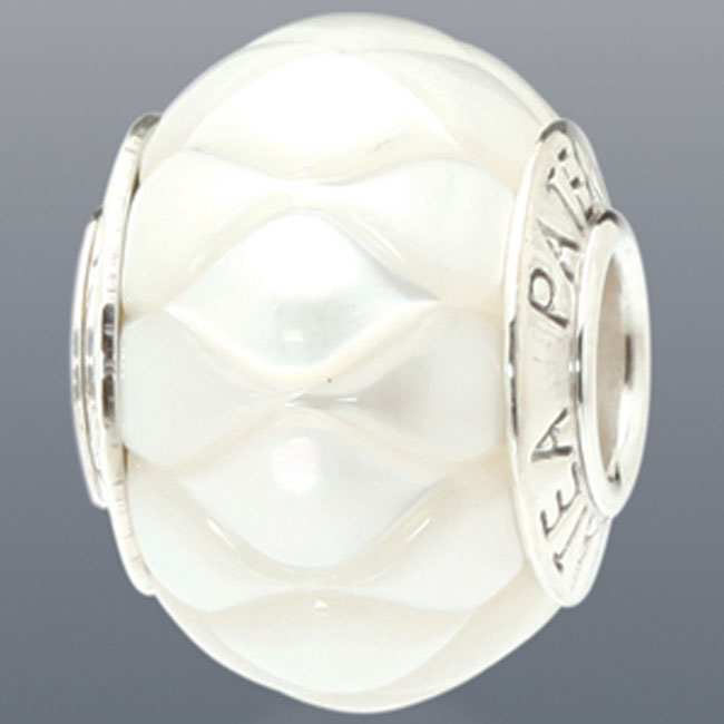 339083-Galatea White Levitation Pearl