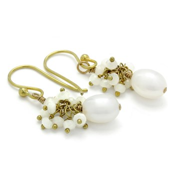 210-679-Pearl & White Chalcedony Earrings