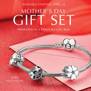 PANDORA Flowers from the Heart Bracelet Gift Set RETIRED ONLY 4 SETS LEFT!