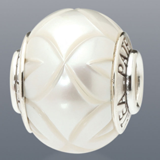 339076-Galatea White Levitation Pearl