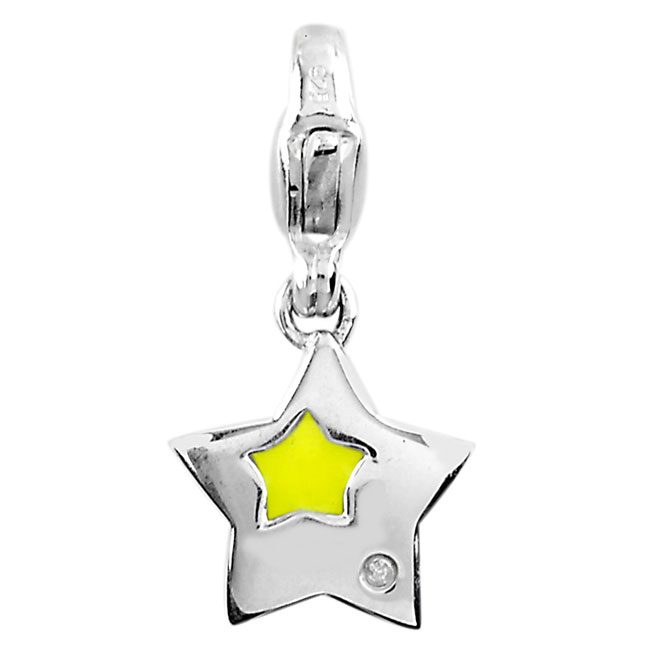 332961-Star Charm w/Diamond