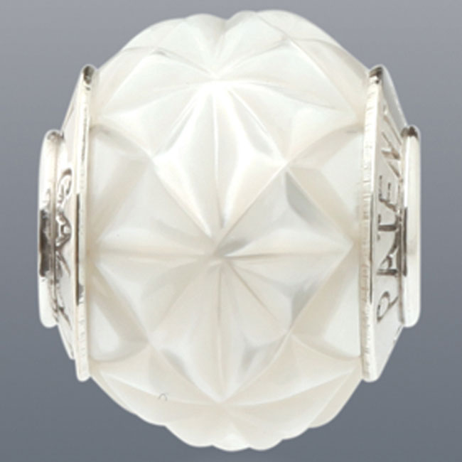 339093-Galatea White Levitation Pearl