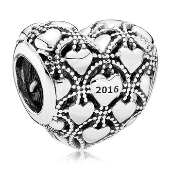 PANDORA Club 2016 with Diamond Charm ONLY 4 LEFT!