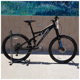2018 Fuji Auric 27.5 3.6 Demo Mountain Bike