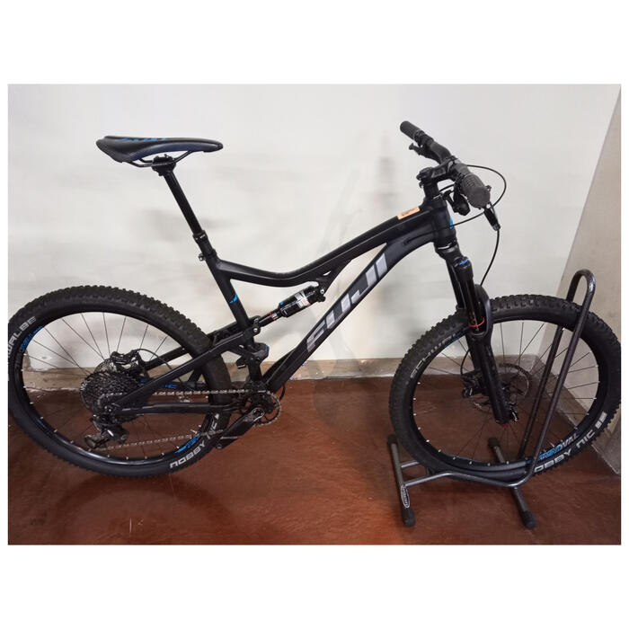 2018 Fuji Auric 27.5 3.4 Demo Mountain Bike