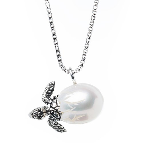 Galatea Turtle Egg White Carved Pearl Necklace
