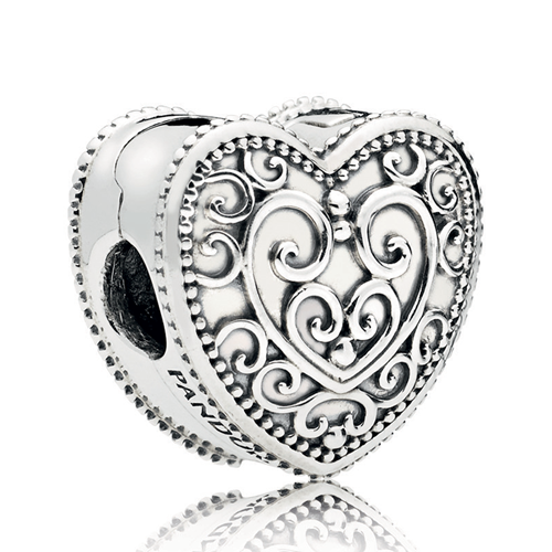 PANDORA Enchanted Heart Clip