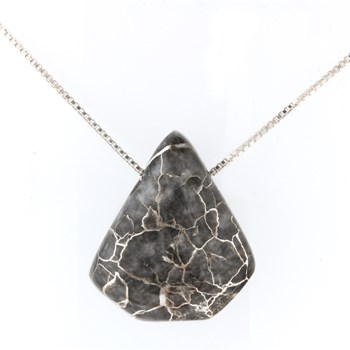 339961-Silver In Quartz Necklace