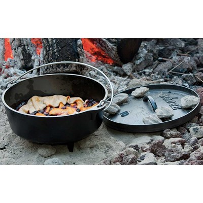 Lodge ® 4-Quart Camp Dutch Oven