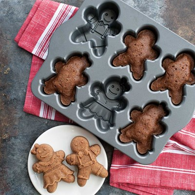 Gingerbread Kids Cakelet Pan