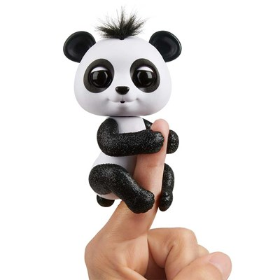 Fingerlings Panda Drew
