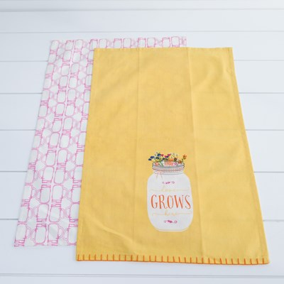 """Love Grows Here"" Towel Set"