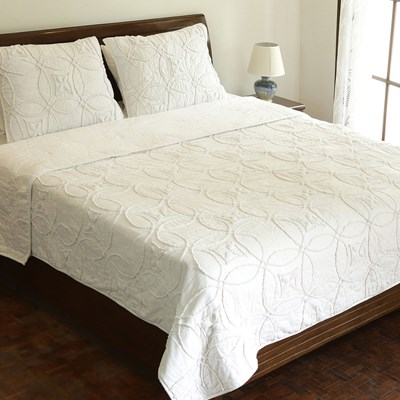 Sadie Cotton White Tufted Quilt - Queen