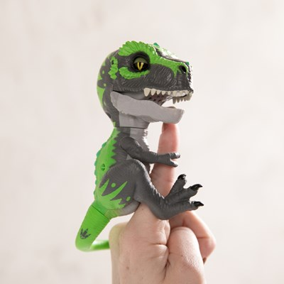Fingerlings T-Rex Tracker
