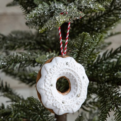 Oh Gussie! Claydough Wreath Ornament