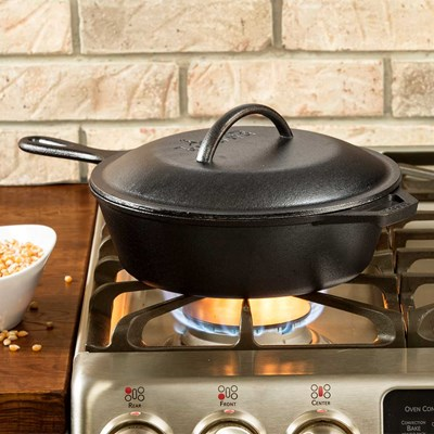 Lodge ® 3.2-Quart Cast Iron Covered Skillet