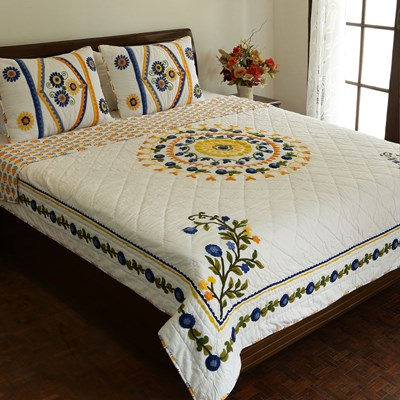 Flora Cotton Embroidered Quilt - Queen