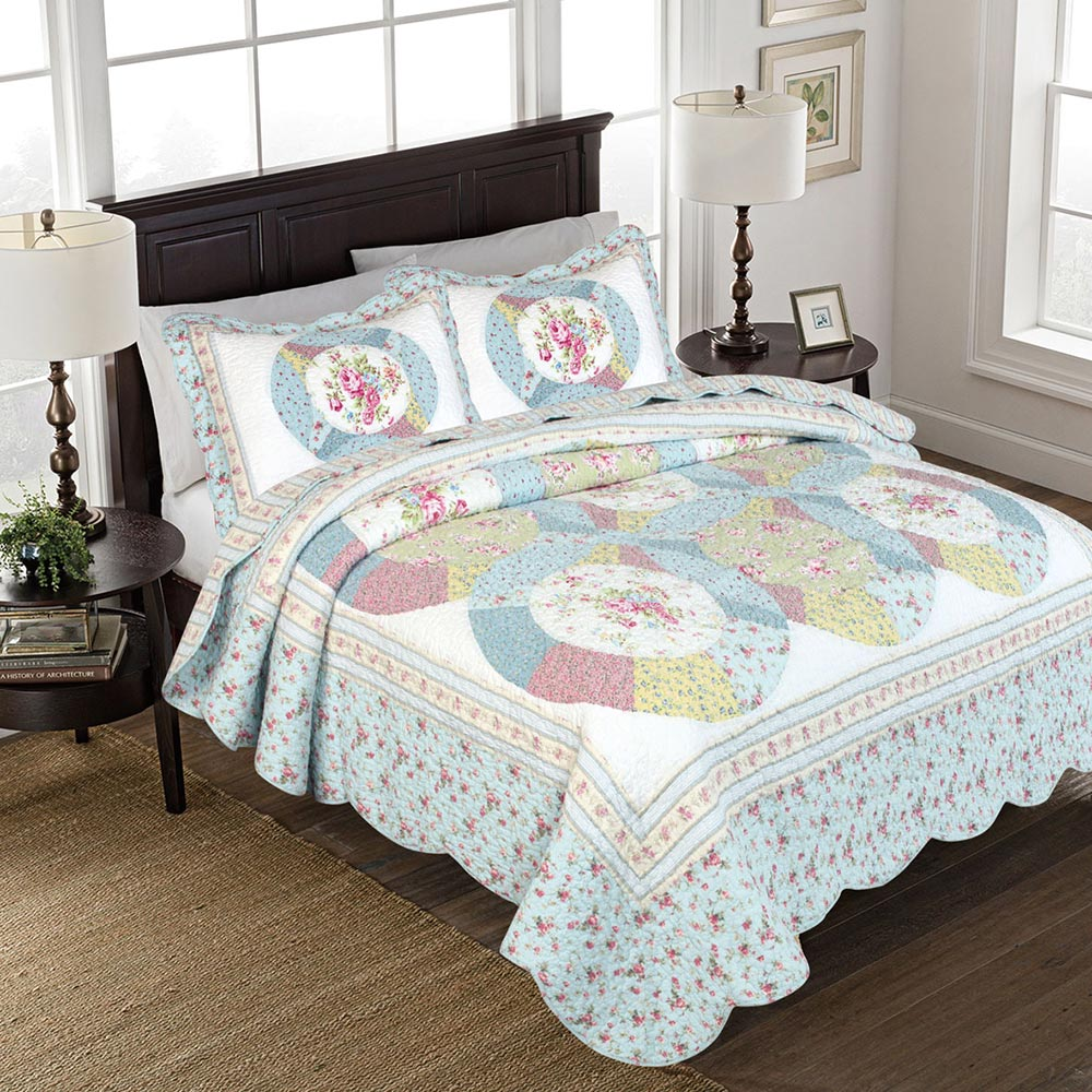 Isabella Pieced Floral Quilt - King
