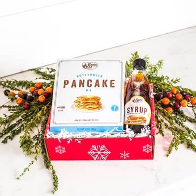 Cracker Barrel Pancake and Syrup Mix Christmas Gift Set