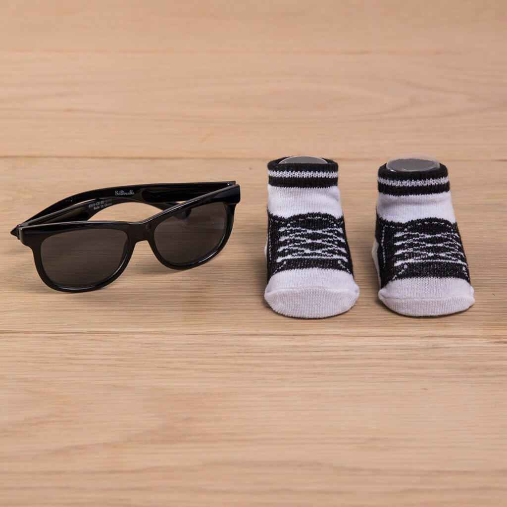 infant sock and sunglasses set in black
