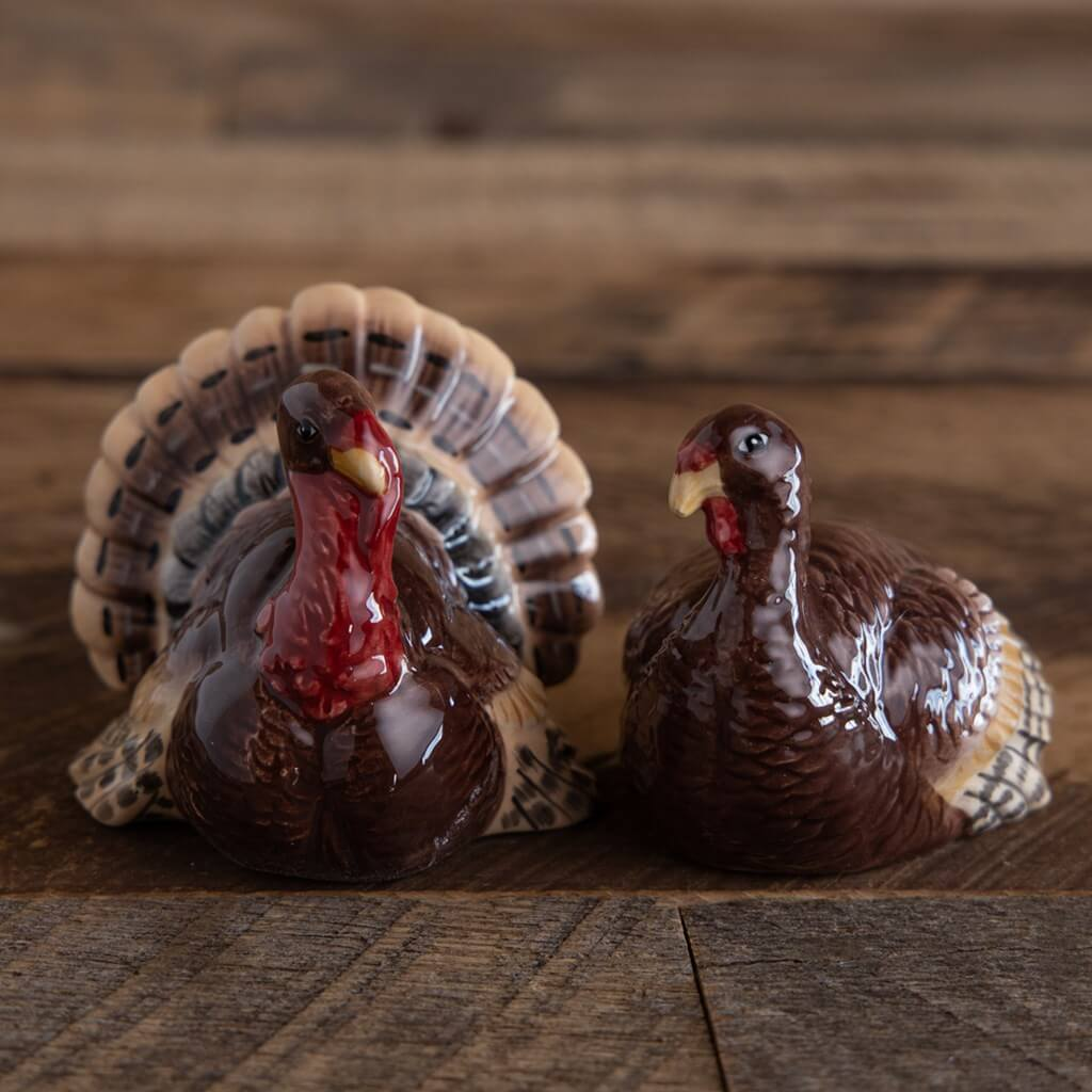 Harvest turkey figurine salt and pepper shakers