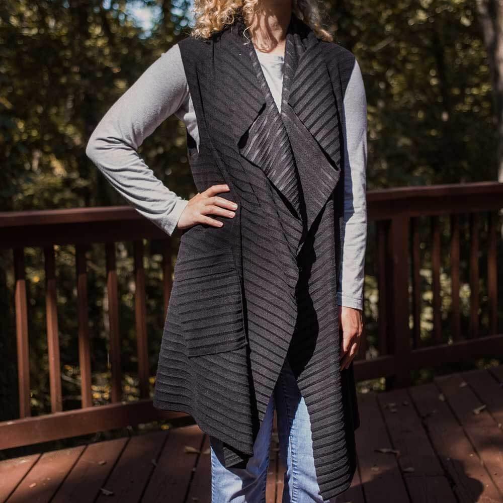 Double pleated long vest womens